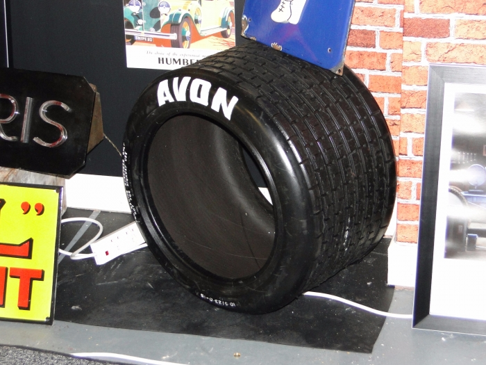 F2 wet tyre ideal for display or coffee table
