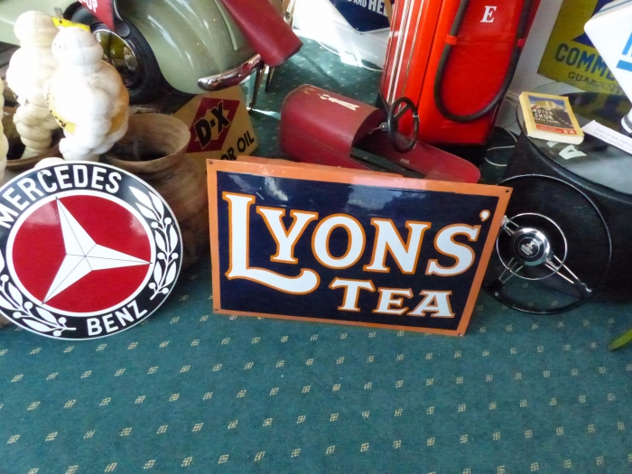 Lyons Tea Original enamel domed sign STUNNING