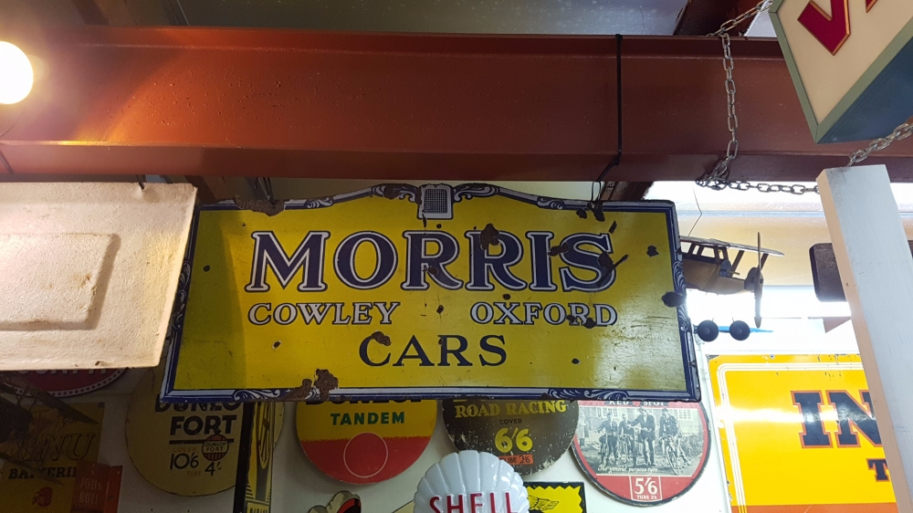 MORRIS Original very very rare sign absolute cracker ! ENAMEL double sided !