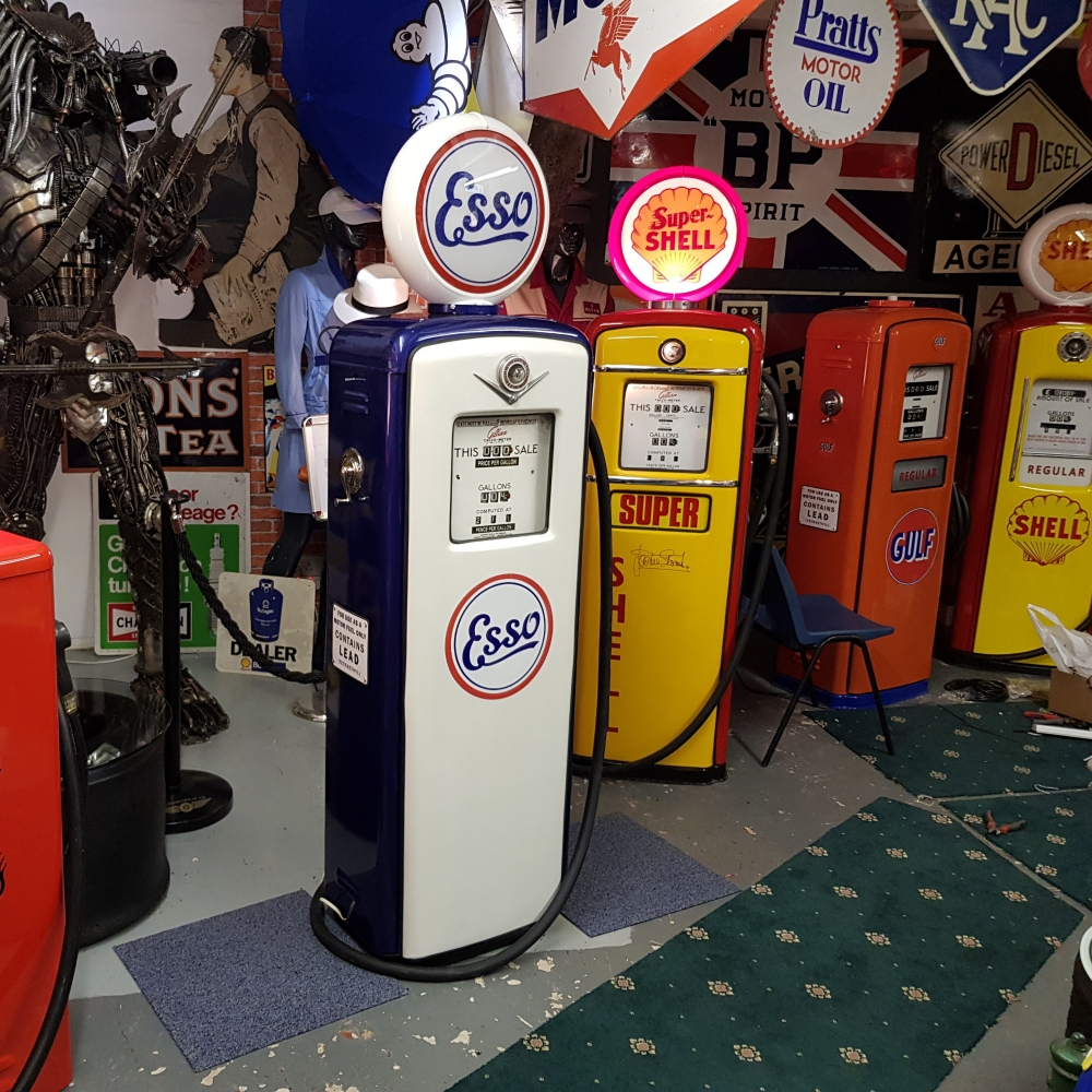 ESSO livery pump .ALL OUR PUMPS ARE GENUINE WE DO NOT SELL REPRO PUMPS