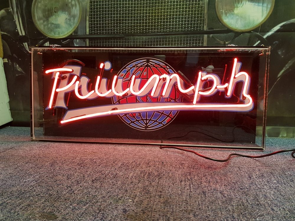Triumph Neon sign STUNNING Lightbox !!!!!