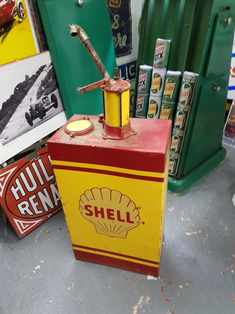 A Shell livery small oil tank great item Only 40 inches tall GREAT DISPLAY ITEM !!!!
