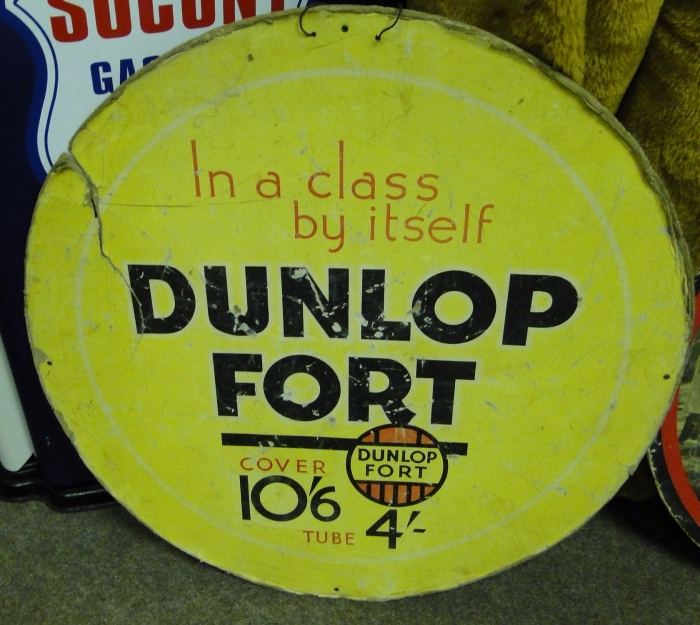Dunlop Fort carded sign