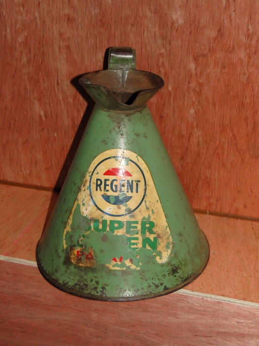 REGENT OIL JUG VERY RARE !!!!!1 gallon