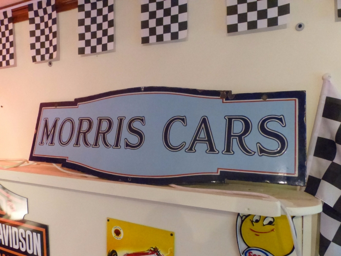 MORRIS double sided RARE sign ENAMEL ORIGINAL  you will not find another in this condition