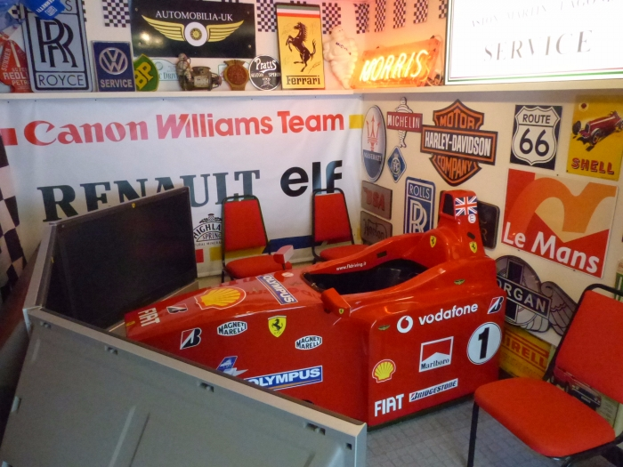 WILLIAMS F1 pit garage banner . GENUINE been on hire now back on sale