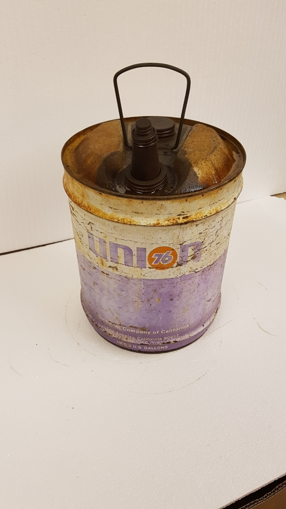 Union Oil can 13 x 12 4 gallon tin , rare