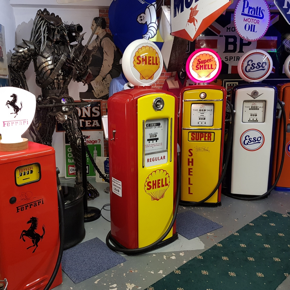 A superb SHELL livery vintage petrol pump with a special feature  STUNNING